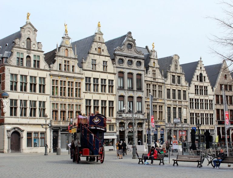 Antwerp. 5 Cities Beyond Brussels