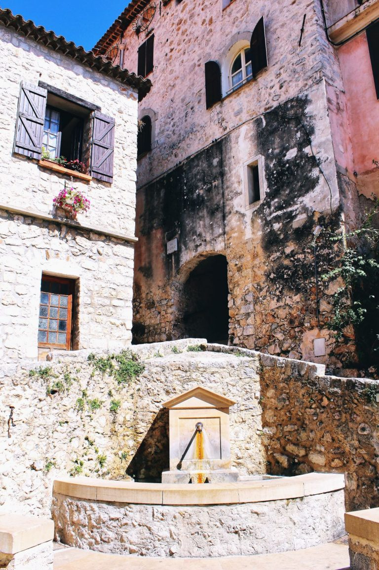 Peille is a charming ancient village clinging to the side of a mountain facing Monaco and Menton, in the south of France.