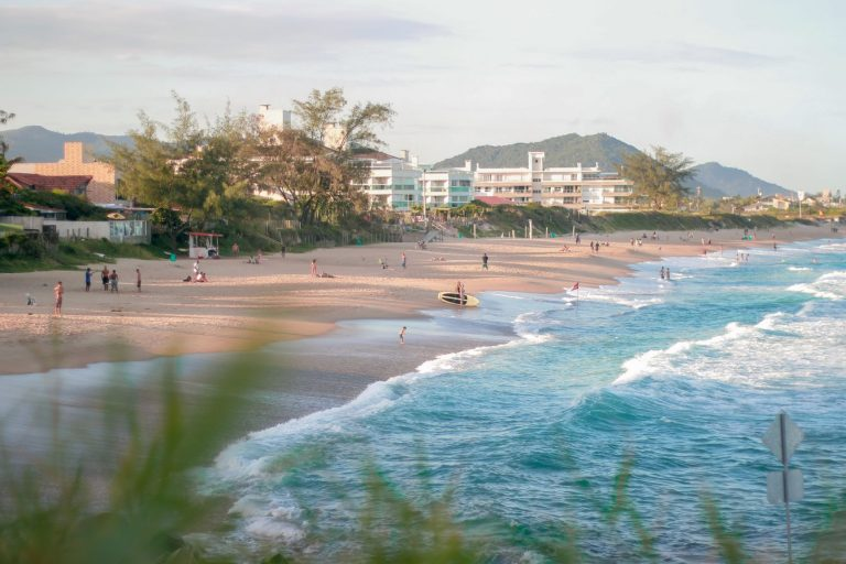 While Florianopolis is at the top of southeastern Brazilians' go-to places for carnival and new year's eve, most international tourists still don't know this little paradise. Famous for its incredible beaches, Floripa is Santa Catarina's capital, one of the southernmost Brazilian states.