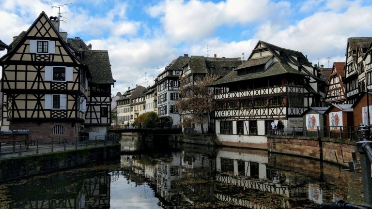 Strasbourg is located in North-Eastern France in the Alsace region close to both the German and Swiss border.
