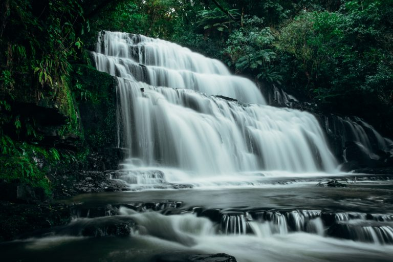 Located in the most southern pocket of New Zealand's South Island, the Catlins is a beautiful off the beaten track location, famous for its incredible waterfalls. But there are many other Catlins attractions such as wildlife spotting, remote beaches and lighthouses.
