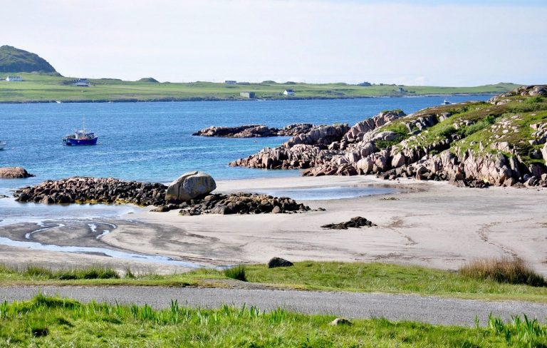 Located on the western coast of Scotland, Isle of Mull is the fourth largest island in Britain. Peppered with beautiful towns and villages, stunning mountains and incredible wildlife, Isle of Mull is a complete package.