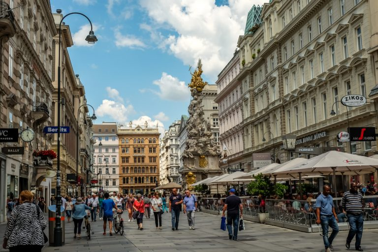 The historic center of Vienna, Austria made it to the UNESCO World Heritage List in 2001 and it's there for a reason. Even if the area of central Vienna is rather small, it is packed with attractions of big cultural and historical value.