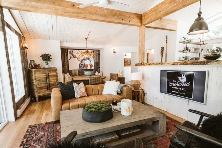 Check out the list of the top 10 cottage rentals is Haliburton Highlands - Ontario's favourite cottage country destination.