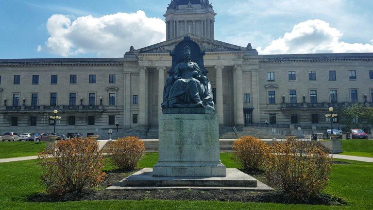 Winnipeg, Manitoba | Coolest Capital Cities in Canada | www.dreamplanexperience.com