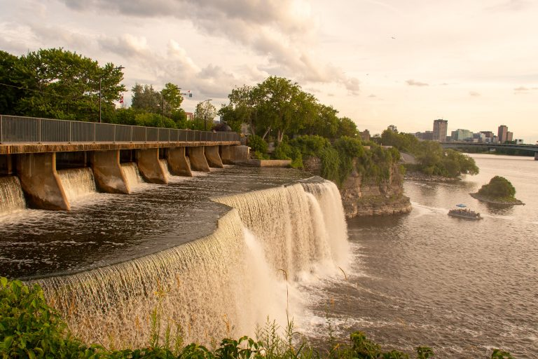 Sunset at Rideau Falls Park | The 10 Best Things to Do in Ottawa | www.DreamPlanExperience.com