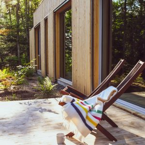 This peaceful retreat encourages all your day-to-day life to disappear leaving you with a calm relaxed feeling. | Escape to the Hinter House in The Laurentians, Canada