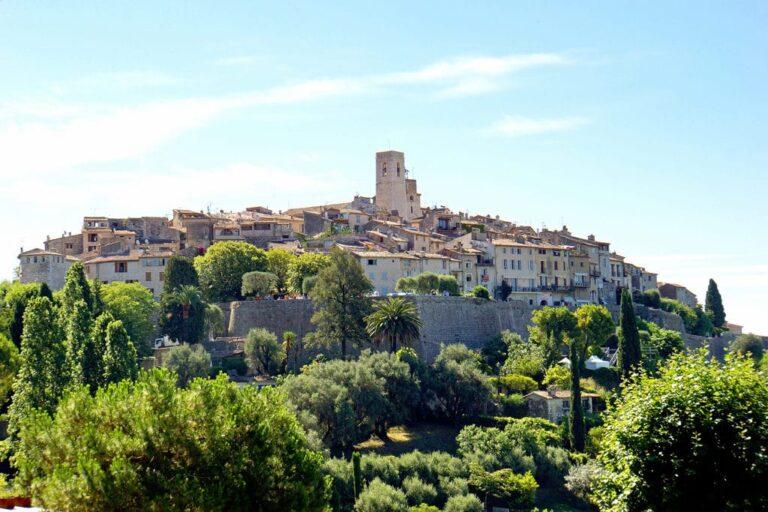 5 Hilltop Villages Close to Nice France | St Paul de Vence | www.DreamPlanExperience.com
