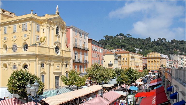 Visit Nice (France) Old Town, especially Cours_Saleya