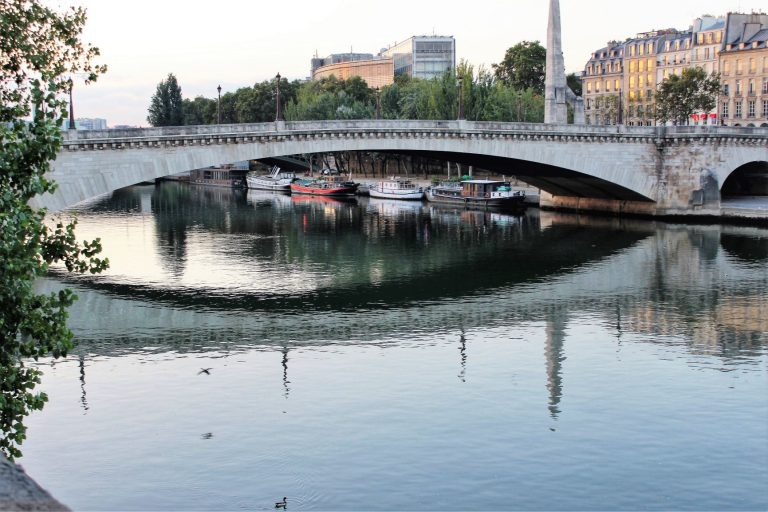 The scenic views of the Seine from Île Saint-Louis