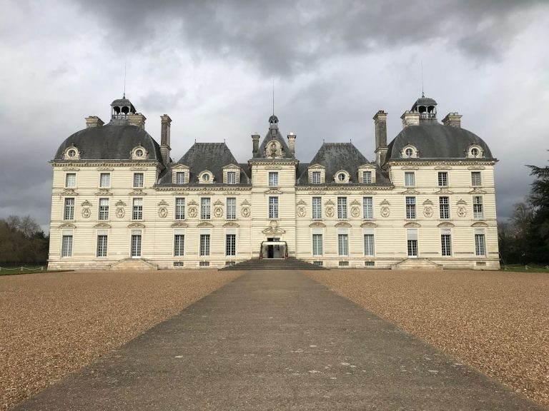 The majestic Loire Valley in France from Sully-sur-Loire to Chalonnes