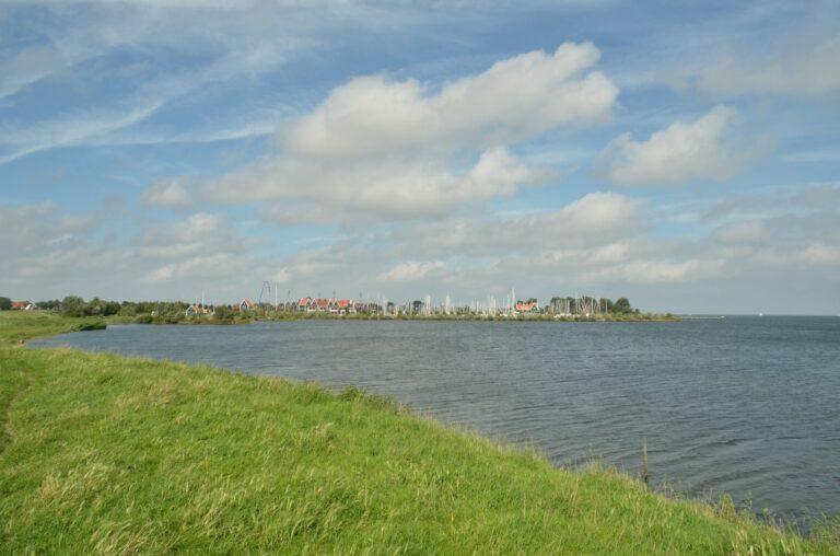 Bike paths from Volendam to Edam in Netherlands.