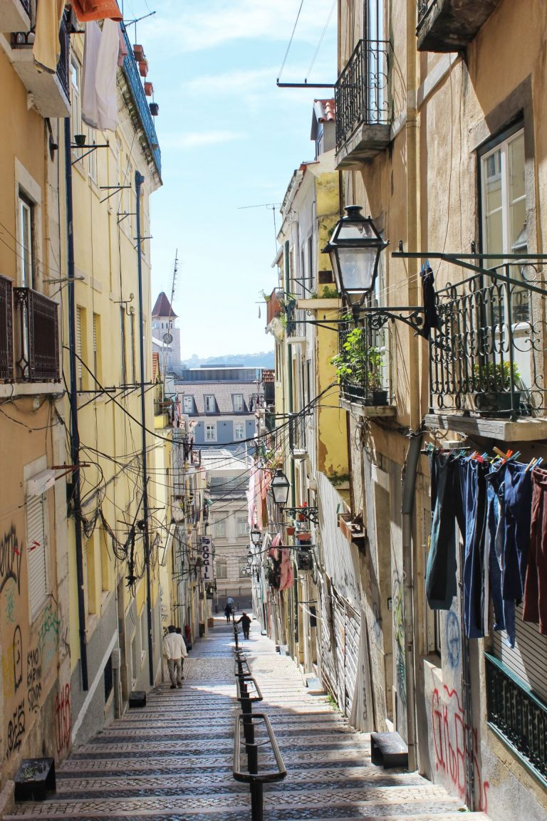 The Best Neighbourhoods in Lisbon Portugal | www.DreamPlanExperience.com