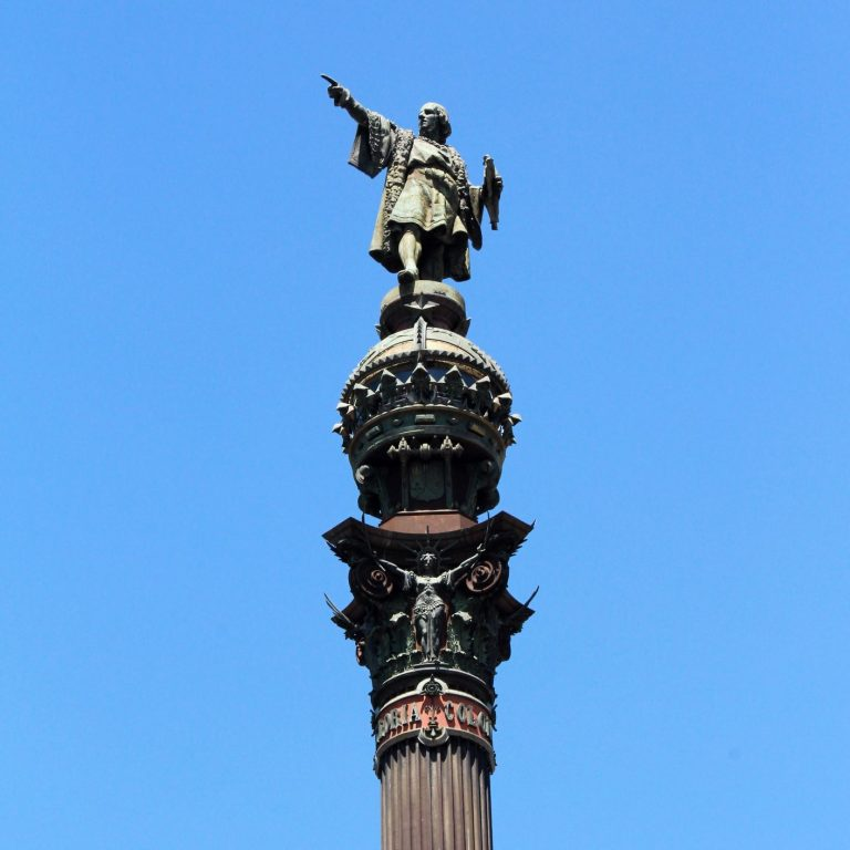 The Columbus Monument in Barcelona, SpainlanExperience.com